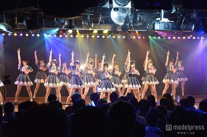 AKB48チーム8「会いたかった」選抜メンバー16名で新ステージ開幕(C)AKS【モデルプレス】