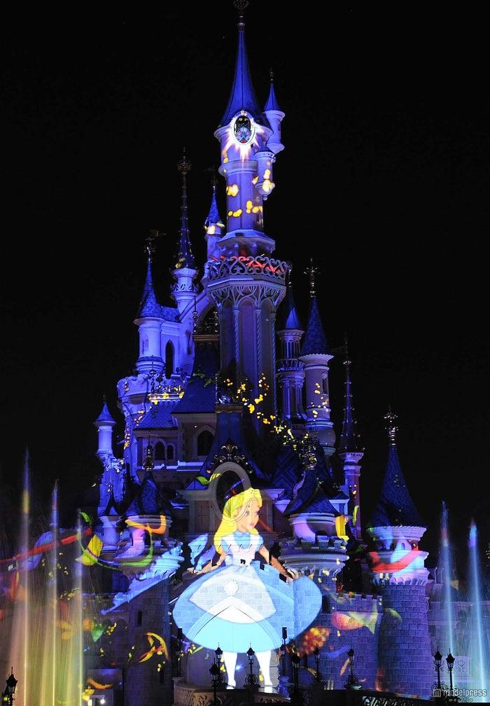 ディズニーの名作がシンデレラ城に甦る ついにディズニー初の