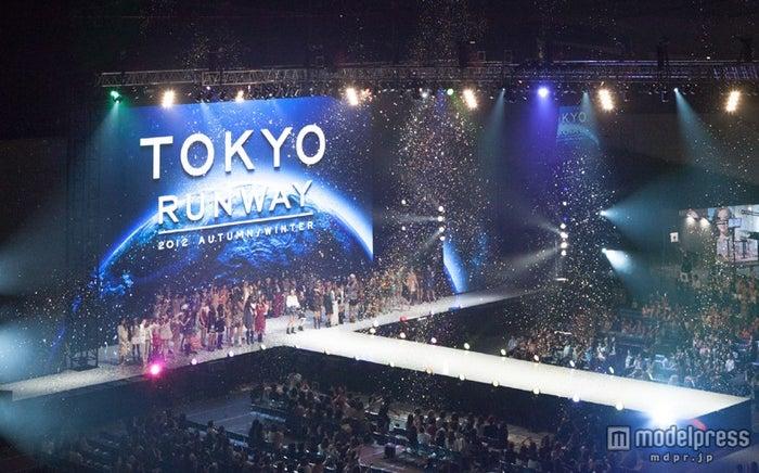 「第1回東京ランウェイ2012 A/W」より(C)東京ランウェイ実行委員会