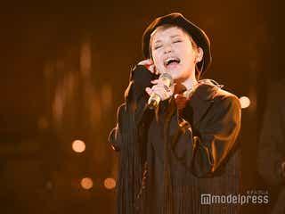 Superfly、力強いアカペラでスカーレット主題歌「フレア」披露<紅白リハ2日目>