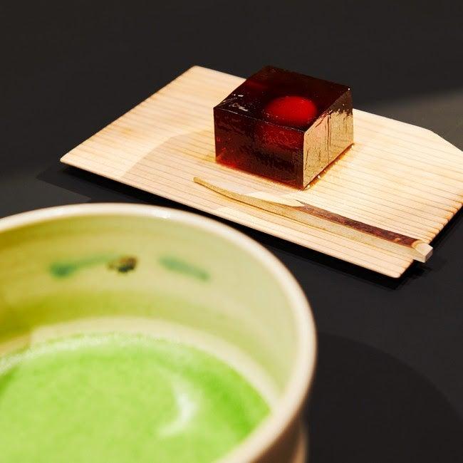抹茶と京菓子のセット/画像提供:アートアクアリウム製作委員会