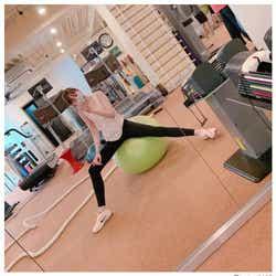 モデルプレス - トリンドル玲奈、美ボディの裏にローラのアドバイス「ただただ細かったときに…」 トレーニング姿に反響