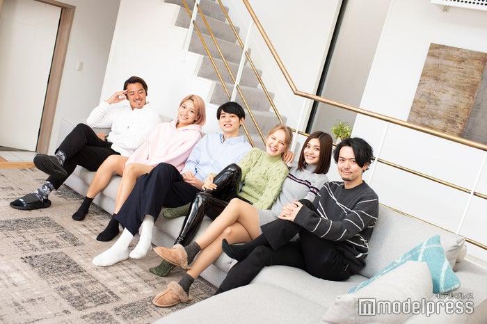 和気あいあいとポーズを決めてくれた6人/金尾玲生、木村花、鈴木志遠、ビビ、吉田夢、新野俊幸「TERRACE HOUSE TOKYO 2019-2020」メンバー(C)モデルプレス