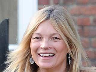 ケイト・モス、41歳の誕生日にスッピンで外出