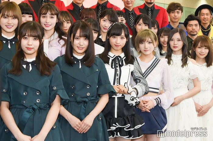記者会見に登壇したメンバー/欅坂46、AKB48、乃木坂46 (C)モデルプレス