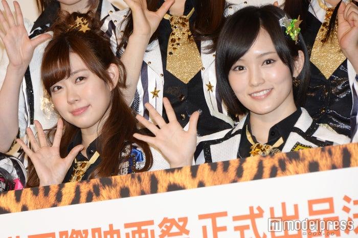 映画「道頓堀よ、泣かせてくれ! DOCUMENTARY of NMB48」の初日舞台挨拶に登壇した渡辺美優紀、山本彩(C)モデルプレス