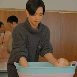 (真ん中)千葉雄大 (C)「ホットママ」製作委員会