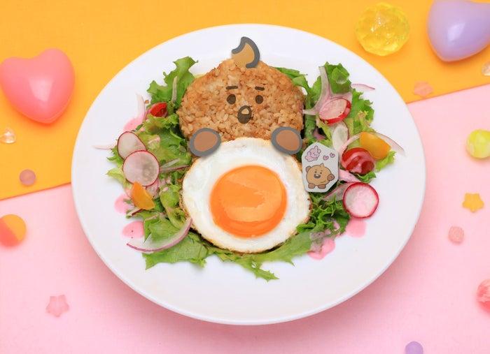 SHOOKY ロコモコ丼税込1,870円(C)BT21
