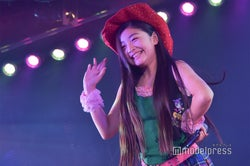 「投げキッスで撃ち落とせ!」道枝咲/AKB48柏木由紀「アイドル修業中」公演(C)モデルプレス