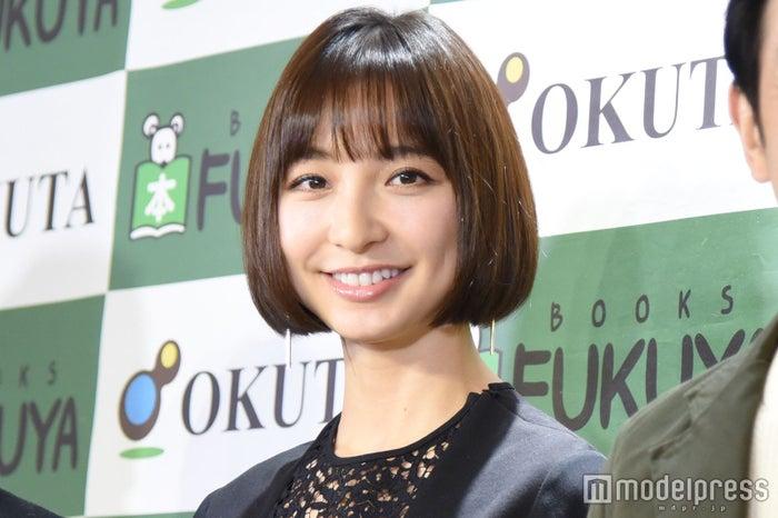 舞台「アンフェアな月」制作発表に出席した篠田麻里子 (C)モデルプレス