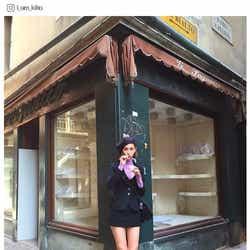 水原希子、美脚あらわなクラシカルコーデが可愛い!「絵になる」「人形みたい」と反響/Instagramより