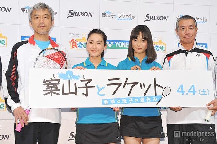 (左から)小市慢太郎、平祐奈、大友花恋、柳葉敏郎