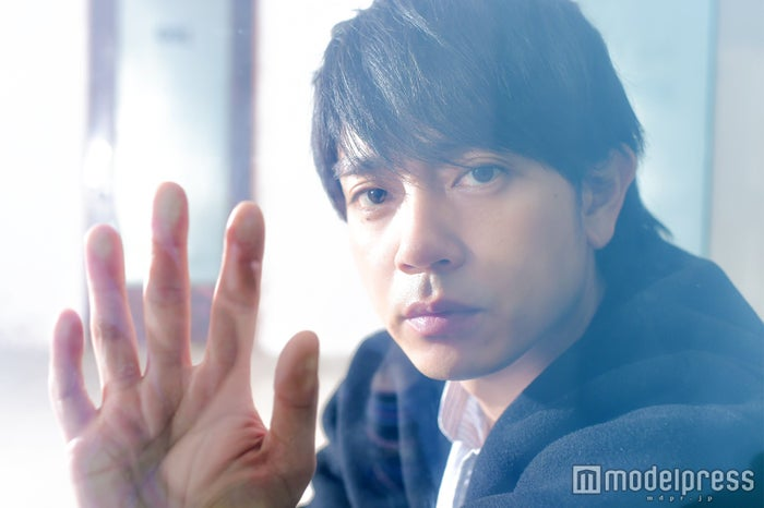 モデルプレスのインタビューに応じた青柳翔(C)モデルプレス