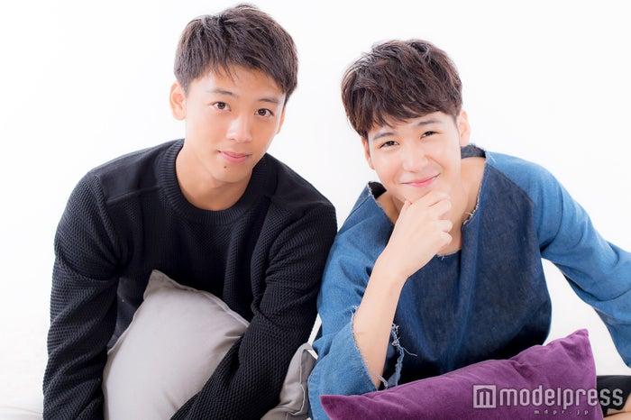 モデルプレスのインタビューに応じた竹内涼真、葉山奨之(C)モデルプレス