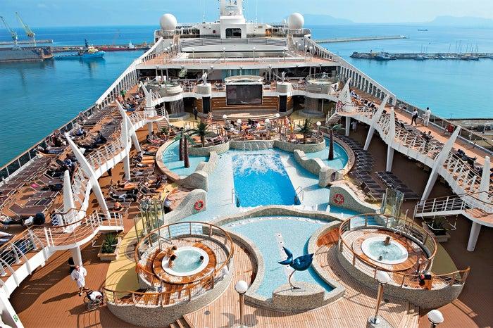 毎日がパーティ気分!フォトジェニックな豪華クルーズは海外旅行初心者にも安心/MSC Cruises S.A.