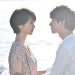 「サバイバル・ウェディング」祐一(吉沢亮)、さやか(波瑠)にプロポーズ 海辺の初キスが「美しすぎる」「もはや世界遺産」悶絶の声相次ぐ