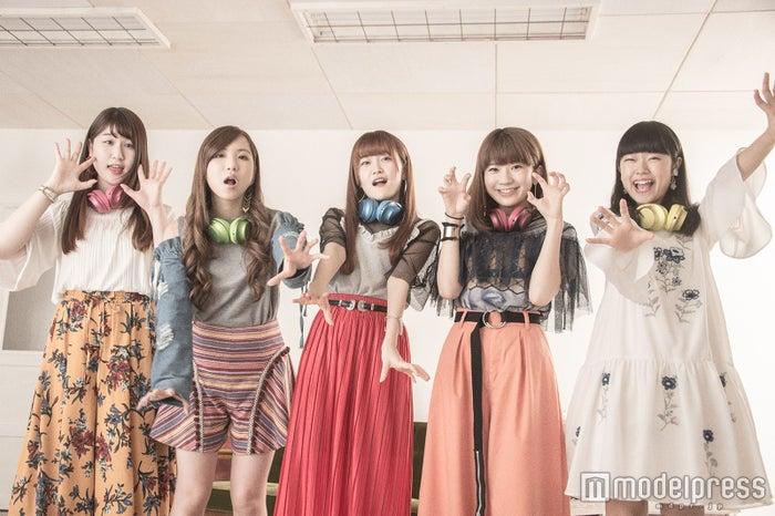 Little Glee Monster(左から)かれん、MAYU、芹奈、manaka、アサヒ(C)モデルプレス