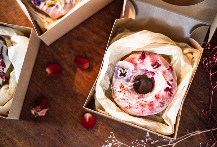 お花のドーナツ/画像提供:株式会社FABTONE