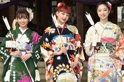 新成人の山口乃々華、須田アンナ、坂東希 (C)モデルプレス