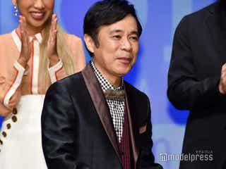 結婚のナイナイ岡村隆史、報道陣から質問攻め 新婚生活で楽しみなことは?