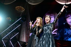 中井りか、須田亜香里「第8回 AKB48紅白対抗歌合戦」(C)AKS
