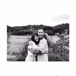 モデルプレス - 有村架純「ひよっこ」木村佳乃と親子ハグショット 「ゴールも、もう目の前です」