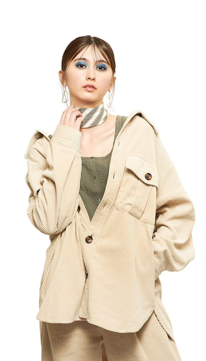 たっぷりシルエット/衣装協力:WEGO