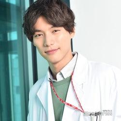 <福士蒼汰「神様のカルテ」インタビュー>櫻井翔と同役「運命的なものを感じた」 初の医師役への苦悩明かす