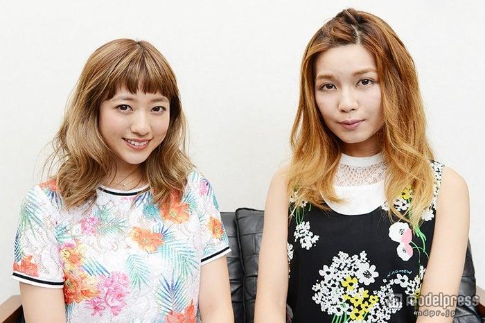 (左から)伊藤千晃、宇野実彩子