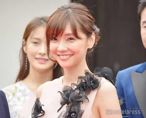 倉科カナ、ドレス姿で微笑み 熱演で絶賛受ける<京都国際映画祭2018>