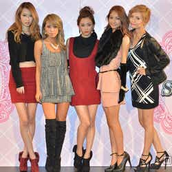 (左から)菜香、峯村優衣、宮城舞、安井レイ、小泉梓