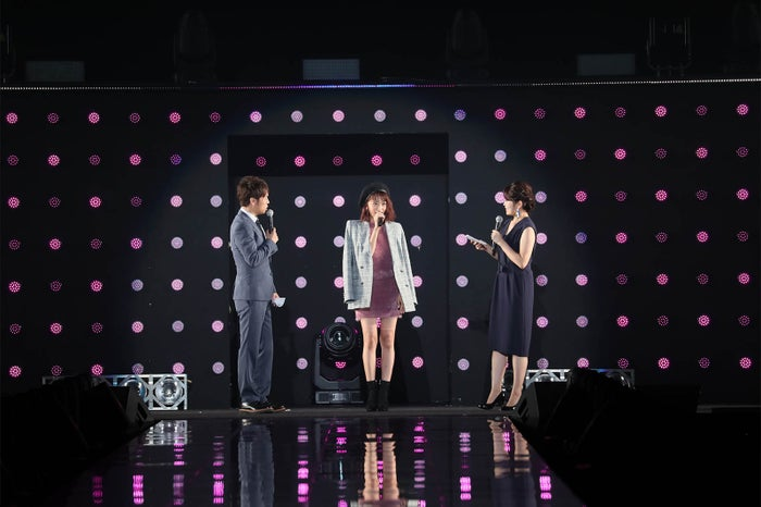 トークパートの様子(C)マイナビ presents TOKYO GIRLS COLLECTION 2017 A/W