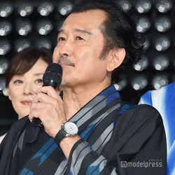 田中圭&林遣都の仲の良さに嫉妬気味の吉田鋼太郎(C)モデルプレス