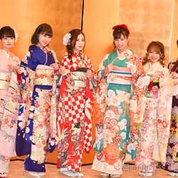 SKE48(左から)藤本冬香、井田玲音名、北川綾巴、荒井優希、山田樹奈、白雪希明/AKB48グループ成人式記念撮影会 (C)モデルプレス