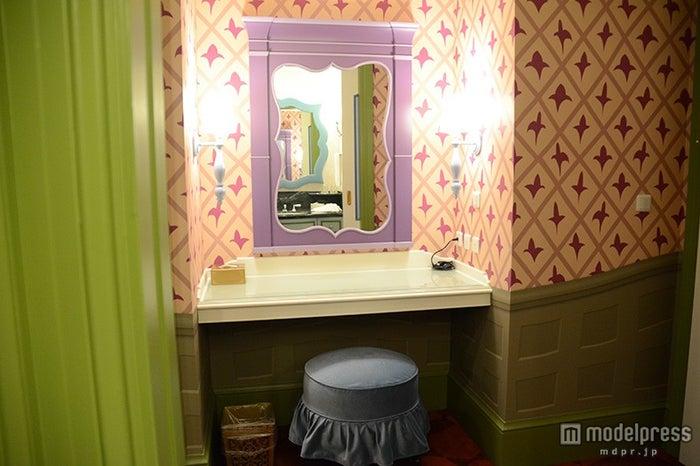 ディズニーふしぎの国のアリスルームの化粧台