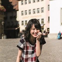 乃木坂46生田絵梨花、水着姿解禁「見たことのない表情がいっぱい」