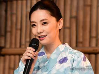 """倉科カナ「結婚してなかったっけ?」共演者のイジりに""""エア指輪""""披露"""