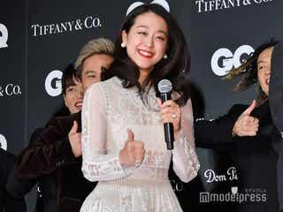 """浅田真央、DA PUMPと""""いいねダンス""""披露「一緒に踊れるなんて」<GQ MEN OF THE YEAR 2018>"""