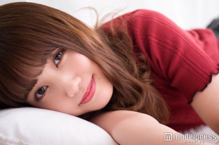 モデルプレスのインタビューに応じた加藤玲奈(C)モデルプレス