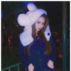 モデルプレス - ダレノガレ明美、ミニスカセーラー服でディズニー満喫「17歳です」