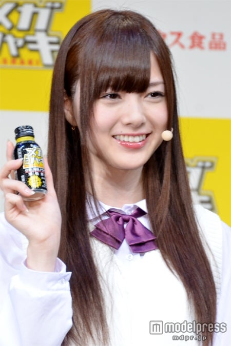 「GirlsAward 2012 A/W」でランウェイデビューする白石麻衣