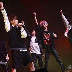 次世代イケメンBOYSグループ・XOX、メジャーデビュー日発表「5人で突き進む」 2500人とダンスで一体に