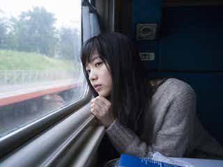 エビ中・中山莉子、待望の初写真集 朝起きたてのすっぴんからシックなドレスまで