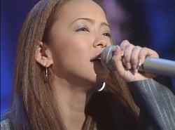 安室奈美恵、貴重な19曲の歌唱映像を公開 ファッションの歴史も振り返る