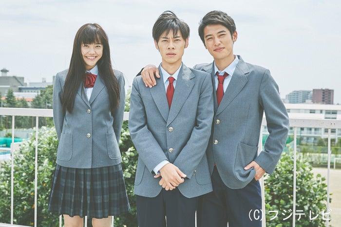 (左から)松井愛莉、戸塚純貴、堀井新太(C)フジテレビ