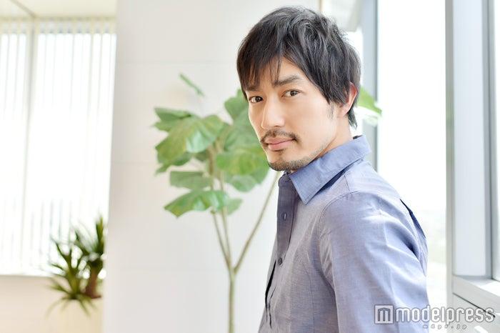モデルプレスのインタビューに応じた大谷亮平(C)モデルプレス