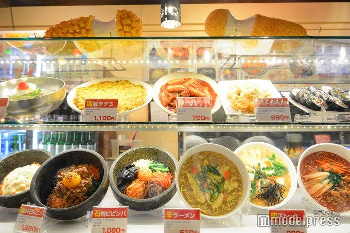 韓味村/今流行中のとろけるチーズドッグもあり 大浴場(C)モデルプレス