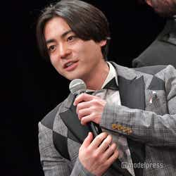 山田孝之、記者に釘を刺す「全部嘘です」(C)モデルプレス