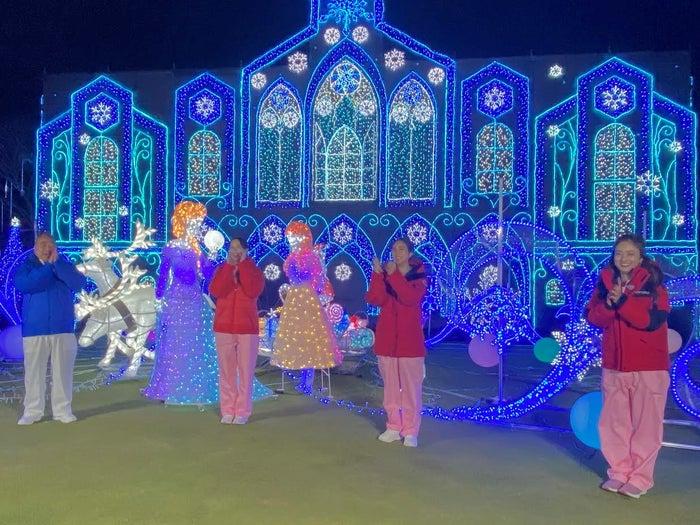 左から:出川哲朗、河北麻友子、堀田茜、谷まりあ(C)日本テレビ