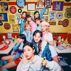 NiziU、2nd Single『Take a picture/Poppin' Shakin'』リリースと同時に好調のスタート